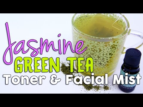 diy-face-toner-and-facial-mist-using-natural-green-tea-and-tea-tree-essential-oil