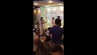 Thanh niên hát nhạc chế mừng đám cưới bạn thân