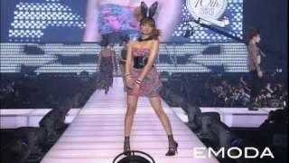 東京ガールズコレクション 2010 S/S EMODA