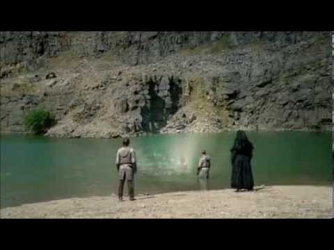 S5E09 - With All My Heart - Merlin - Arthur Saves Gwen From Morgana's Spell