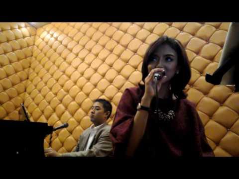 Ruth Sahanaya - Kaulah Segalanya Bagiku (Covered by Rene Sinclair & Witrie Diana)