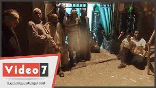 """جامع يحتضن سكان عقارات فيصل بعد إخلائهم:""""مش عارفين نعمل حاجة لنفسنا"""""""