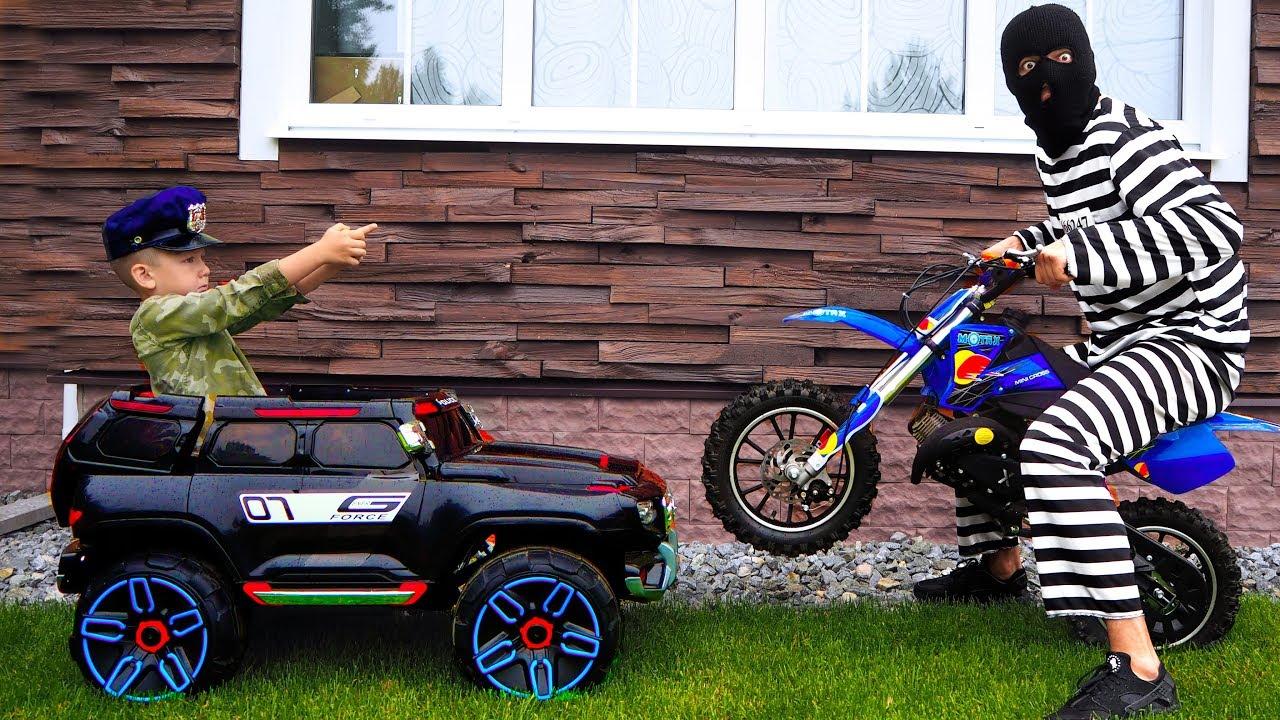 Полицейский Сеня Распаковывает Машинки и Ловит Воришек