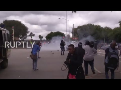 South Africa: Police fire rubber bullets as protesters clash with immigrants in Pretoria