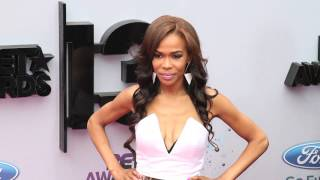 Michelle Williams lights up the Red Carpet at 2013 BET Awards