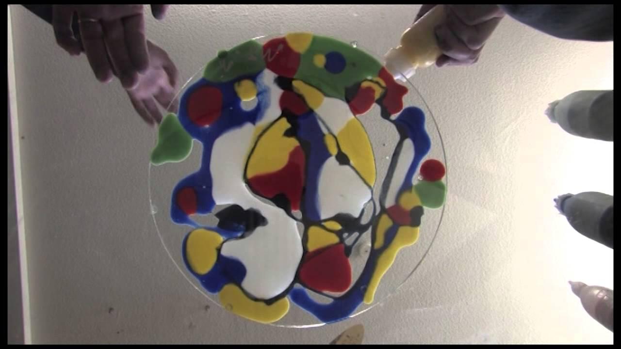 Spontane Glasgestaltung, Platzteller und Schalen gestaltet durch den Maler Markus Tollmann