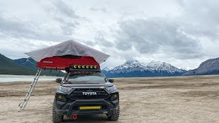 2019 Toyota RAV4 expl๐ring the back country .