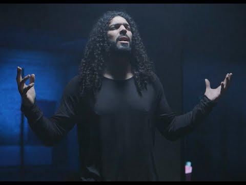 RAMY ESSAM ft. MALIKAH - SEGN BEL ALWAN رامى عصام - سجن بالألوان (OFFICIAL VIDEO)