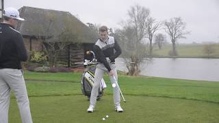 WHAT SHOULD THE LEFT LEG DO IN THE GOLF SWING