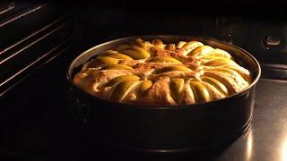 Шарлотка с яблоками, необычная! Вкусно и быстро! Готовить всем!