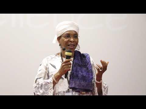 Comment atteindre l'excellence en tant que femme leader ? | Aichatou Mindaoudou | TEDxADU