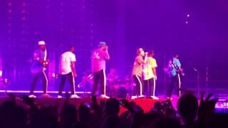Why sooo good, Bruno Mars? 😍👌🏼🕺🏼
