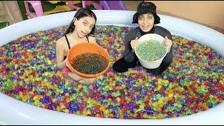 عبيت المسبح 1,000,000 كرة سحرية 😱 !!