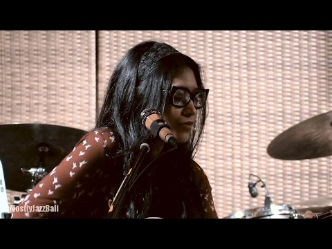 Endah N Rhesa - When You Love Someone @ Mostly Jazz in Bali 08/01/2017 [HD]