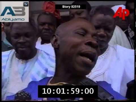 General Olusegun Obasanjo Celebrates His Release From Jail In 1998