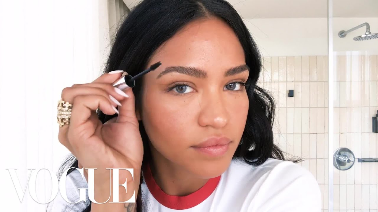 Cassie's Smoky Eye Trick  Beauty Secrets  Vogue