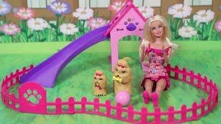 Download Video Barbie ve Alkışla Yürüyen Köpekleri MP3 3GP MP4