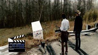 """Сцена из фильма """"Добро пожаловать в Зомбилэнд"""", грузовик с твинки"""