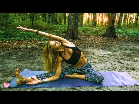 Yoga For Sleep ♥ Easy Bedtime Yoga   5 Minute Miracle