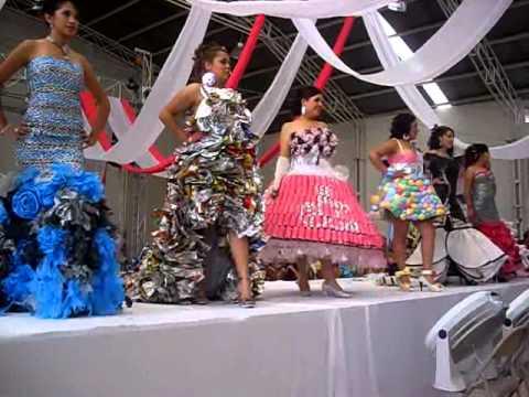 Vestidos Reciclados. - YouTube