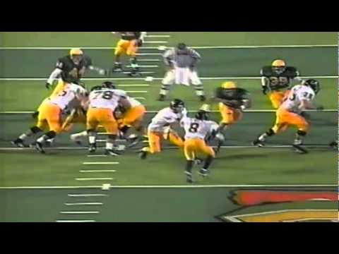 Oregon LB Derrick Barnes blasts Cal's QB for a sack 11161996
