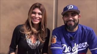 Claudia Gestro habla con Sergio Romo