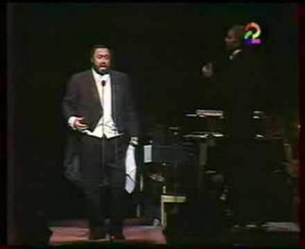 Luciano Pavarotti Quanto è bella Donizetti Nemorino Budapest