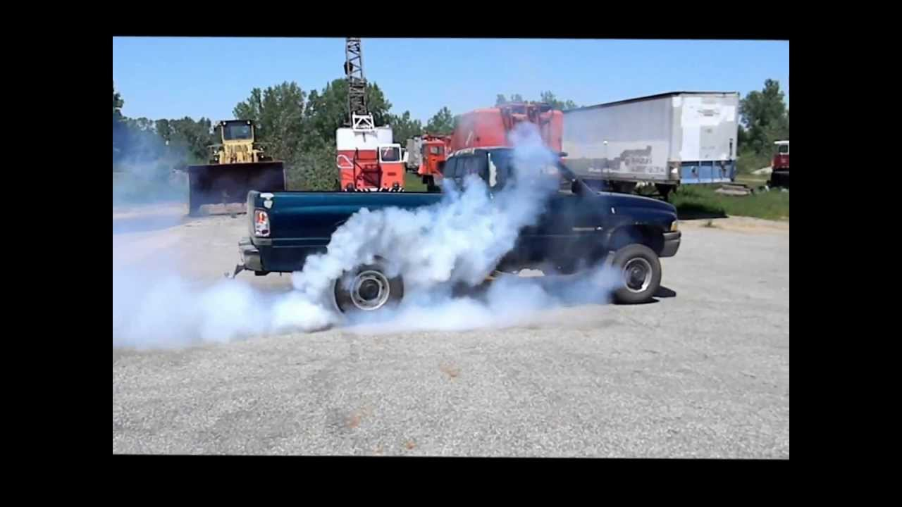 Dodge Ram V10 exhaust and burnout  YouTube