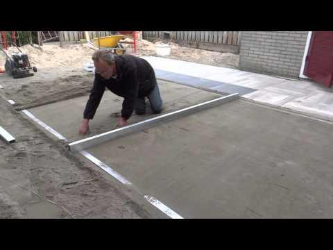 Tuinaanleg:  Afrijen voor aanleg terras met keramische tegels 2
