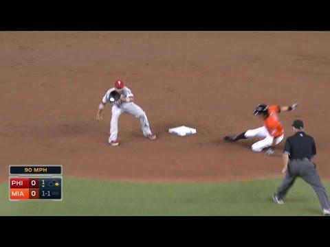 PHI@MIA: Ichiro creates run with walk, stolen bases