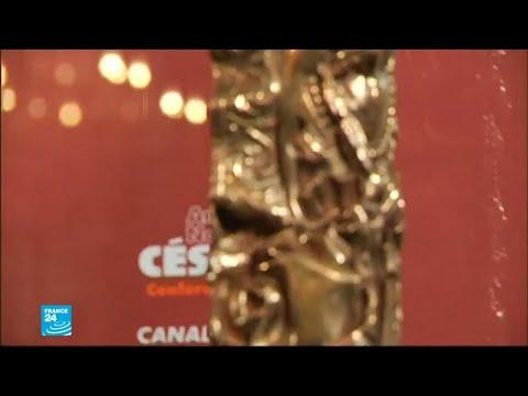 استعدادات للدورة الـ 44 من حفل توزيع جوائز سيزار للسينما الفرنسية في باريس  - نشر قبل 6 ساعة