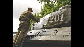 Душанбе. Ремонт танка ИС-2, 2013 год
