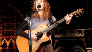Watch Ani Difranco Do Re Me video