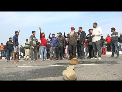 Udhampur students protesting against transport facility block highway