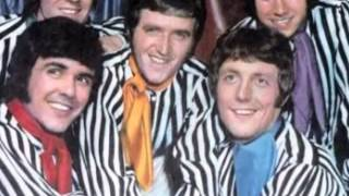 The Dave Clark Five - Chaquita. Two versions synced together to create Stereo