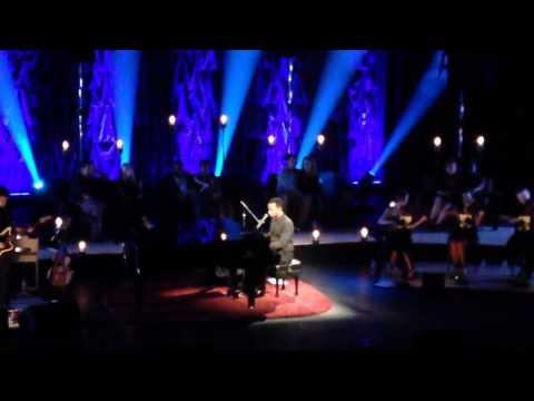 John Legend - Dancing In The Dark (Live)