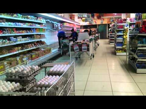 Ногами по витрине (Супермаркет VARUS Запорожье)