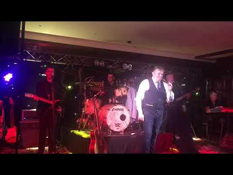 Jimmy Buckley performing live Friday 27th October 2017