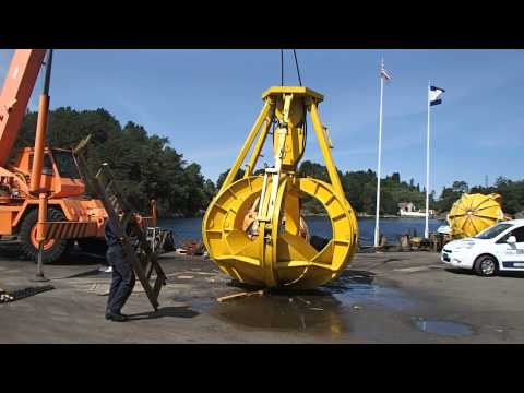 Orange peel grab for subsea operations