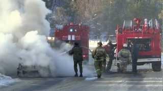 Возгорание автомобиля. М5(Сегодня легковой автомобиль загорелся при движении недалеко от выезда на трассу М5. В районе деревни Первух..., 2013-02-08T16:05:39.000Z)