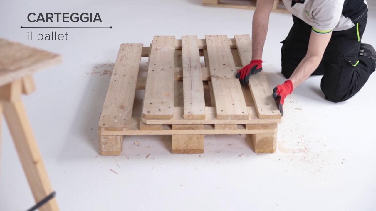 Costruire un divano con i pallet youtube - Divano con pallet ...