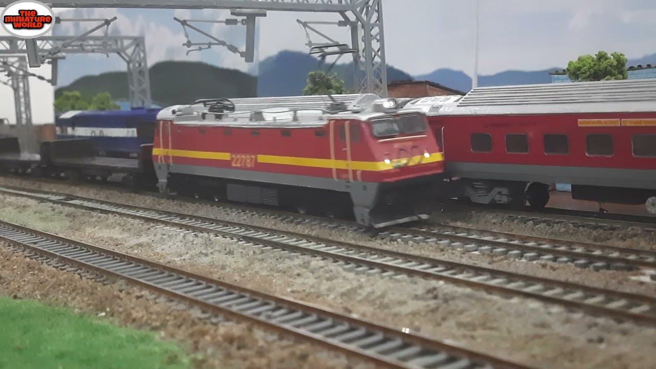 Wap 4 hauling freight cars overtaking wdm3a loco   INDIAN MODEL TRAIN    INDIAN RAILWAYS