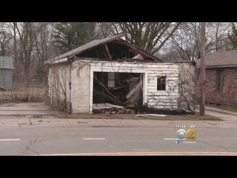 "Ottawa Still ""Locked Down"" After Tornado: ""Streets Are Not Safe Yet"""