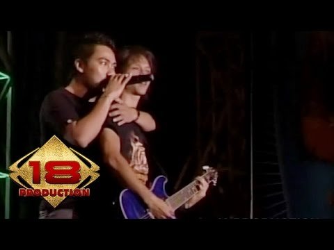 Naff - Bila Aku Pulang (Live Konser Gresik 7 September 2007)