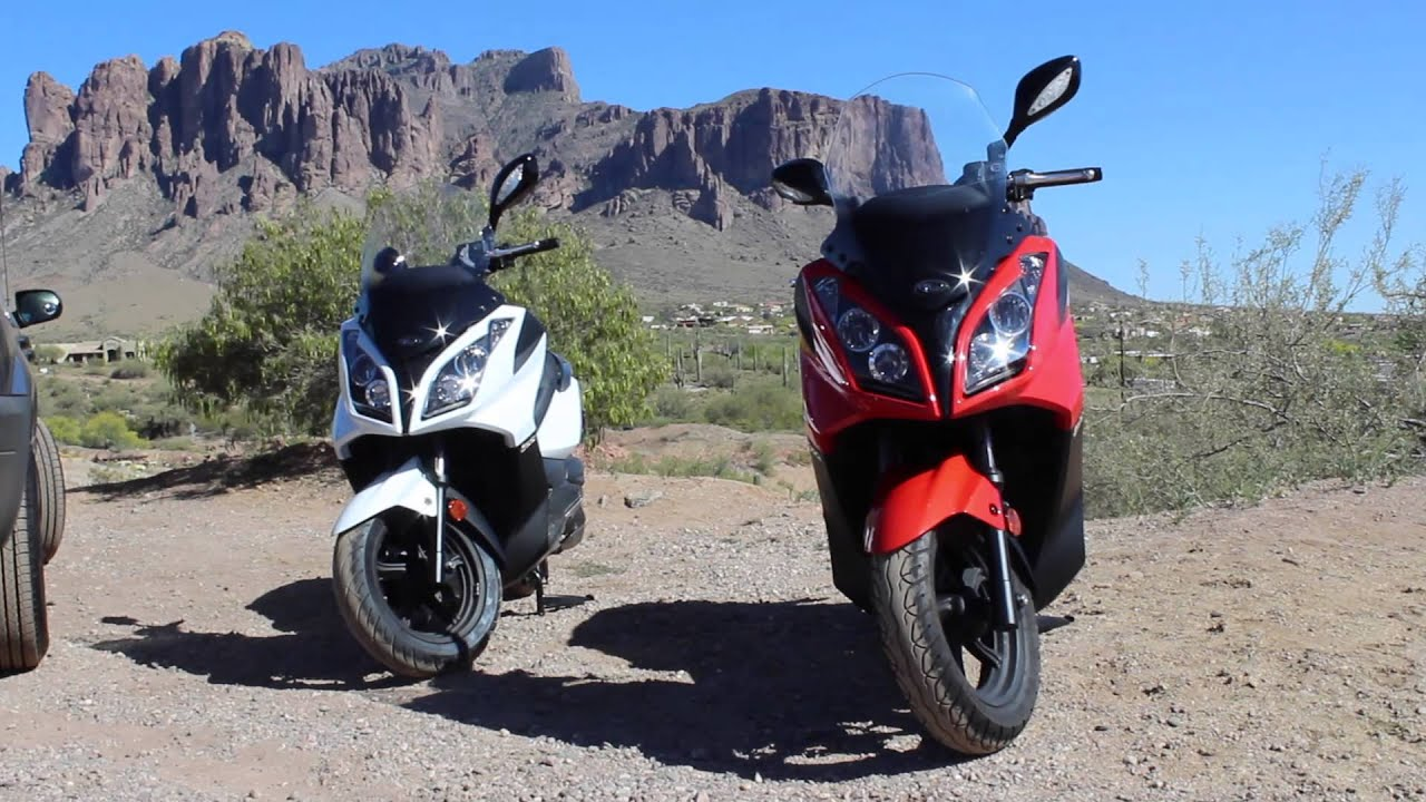 kymco downtown 300i review 2013 2015 by fat cat scooter. Black Bedroom Furniture Sets. Home Design Ideas