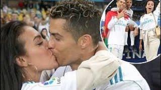 Cristiano Ronaldo Kiss His Girlfriend Georgina Rodriguez