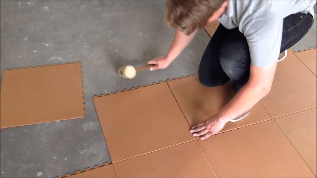gut video flexi tile pvc bodenbelag als garagenboden. Black Bedroom Furniture Sets. Home Design Ideas