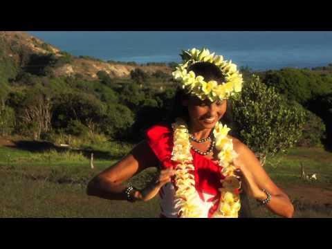 Wainani Kealoha performs