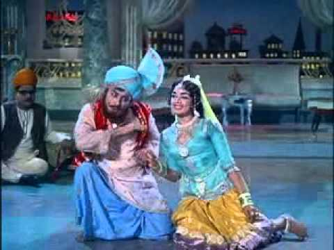 MGR Songs-AadaludanPadalai-Seritthuvazhavendum .flv