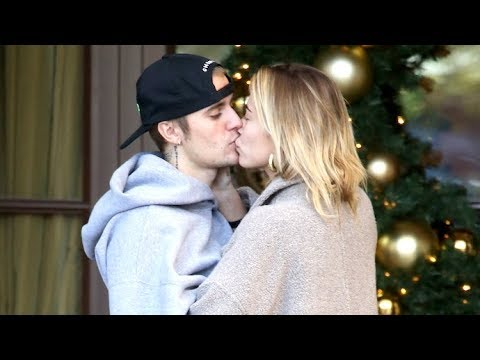 Justin Bieber And Hailey Baldwin Share A KISS For All To See - No Marital Trouble Here! - EXCLUSIVE Mp3